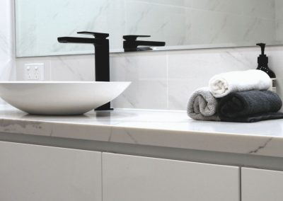 calacatta-borghini-quartz-vanity-unit
